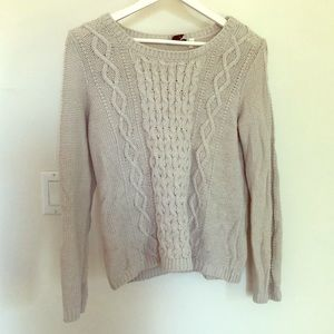 Cable Knit Sweater ✨2 for $10✨